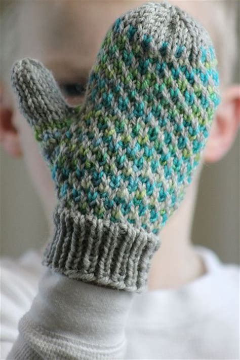 knitting pattern for gloves on two needles 17 best ideas about knitted gloves on