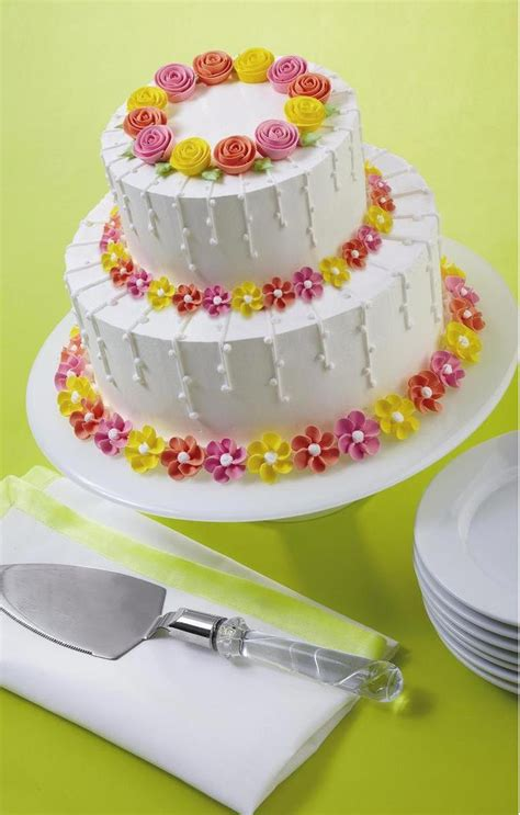 home cake decorating 25 best ideas about wilton cake decorating on