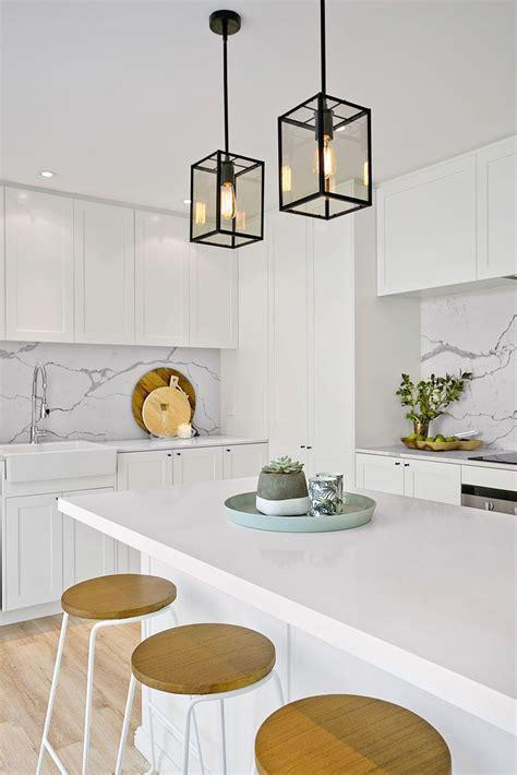 white pendant lights kitchen 25 best ideas about htons kitchen on