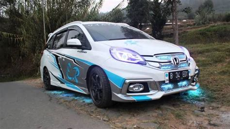 Modification Mobil by The Concept Of Honda Mobilio Recent Modifications