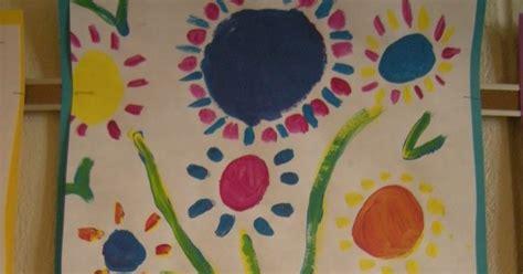 picasso paintings holding flowers artolazzi picasso s holding flowers
