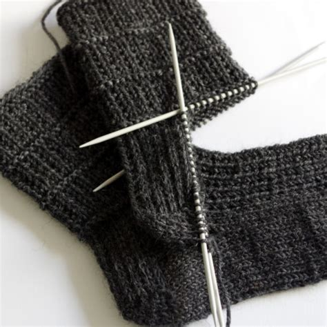 knitting the gusset how to knit socks heel flap turning the heel and gusset