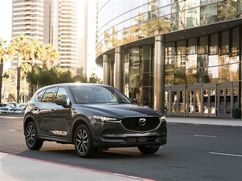 Mazda Cx 5 Compared To Honda Crv by 2017 Honda Cr V Vs 2017 Mazda Cx 5 Which Is Best
