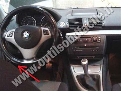 on board diagnostic system 2000 bmw z3 navigation system obd2 connector location in bmw serie 1 e87 2004 2011 outils obd facile