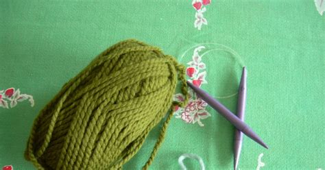 how do you knit a circle smallest friend knitting a circle scarf
