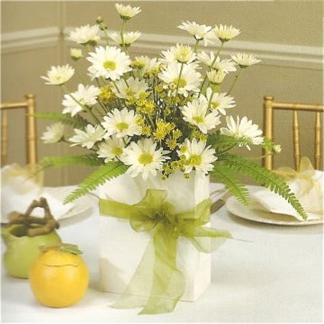 inexpensive centerpieces inexpensive wedding centerpieces favors ideas