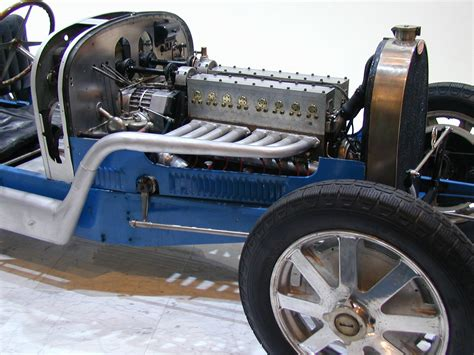 Bugati Engine by Bugatti Engine On The Back Bugatti Free Engine Image For