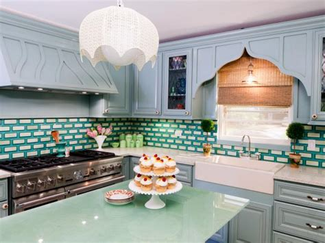 what is the best way to paint kitchen cabinets white best way to paint kitchen cabinets hgtv pictures ideas
