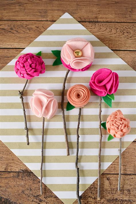 crafts to make with diy no sew felt flowers with twigs moment