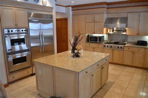 light and kitchen cabinets cherry cabinet granite home design ideas pictures remodel
