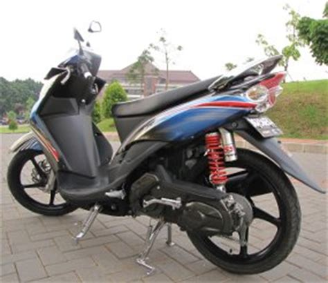 Modifikasi Mio Soul Warna Silver by Otomotif Motor November 2010