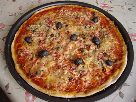 pizza p 226 te au levain et garnitures photos
