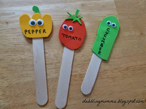vegetable crafts for dabblingmomma vegetable garden labels
