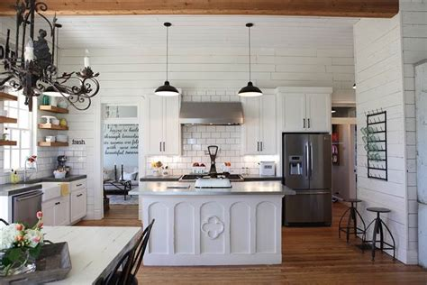 chip and joanna farmhouse chip and joanna gaines fixer home tour in waco