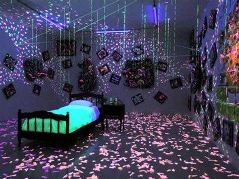 black light bedroom 1000 ideas about black light room on hippy