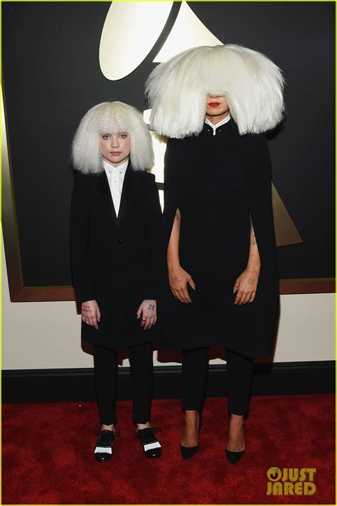 chandelier sia dancer sia chandelier dancer maddie ziegler wig out at