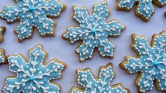 how to decorate how to decorate snowflake cookies my crafts and diy projects