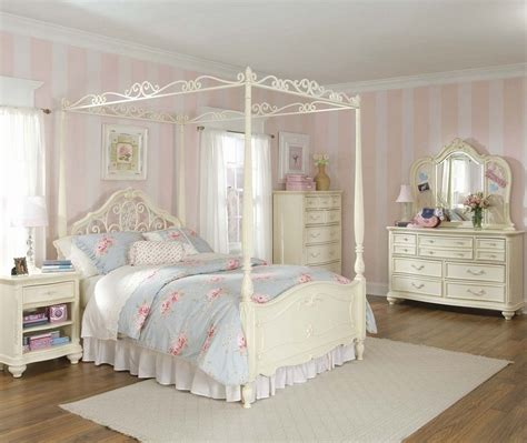 shabby chic furniture planning a shabby chic bedroom