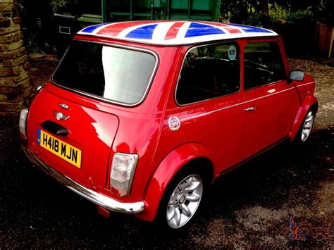 no reserve mint classic mini cooper 1275 red white roof show car new engine 850m no reserve mint classic mini cooper 1275 red white roof show car new engine 850m