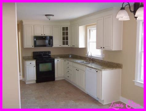 small kitchen decorating ideas on a budget 10 small kitchen design ideas on a budget livesstar