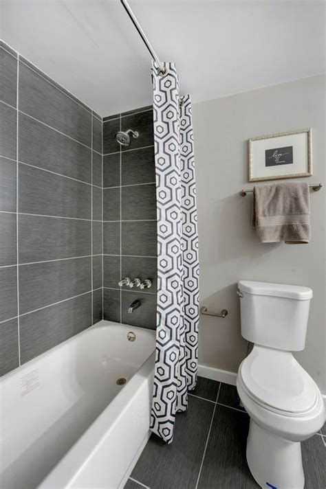 small tiled bathrooms best 20 bathtub tile ideas on