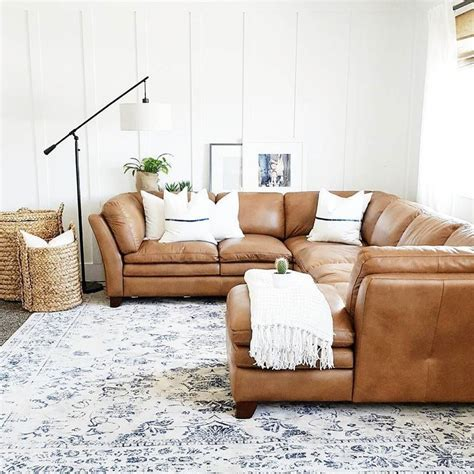 brown sofas in living rooms 25 best ideas about leather sofa on