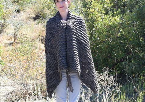 knitting shawls for beginners beginner knit shawl scarf hybrid allfreeknitting