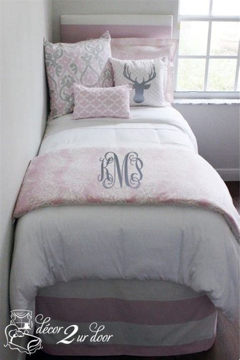 rage comforter set 1000 ideas about pink rooms on room