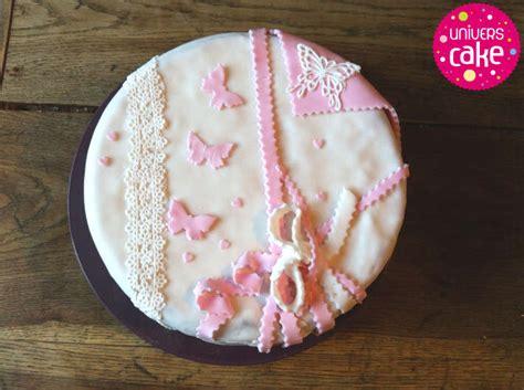 decoration de gateau pate a sucre papillons dentelle et coeurs univers cake