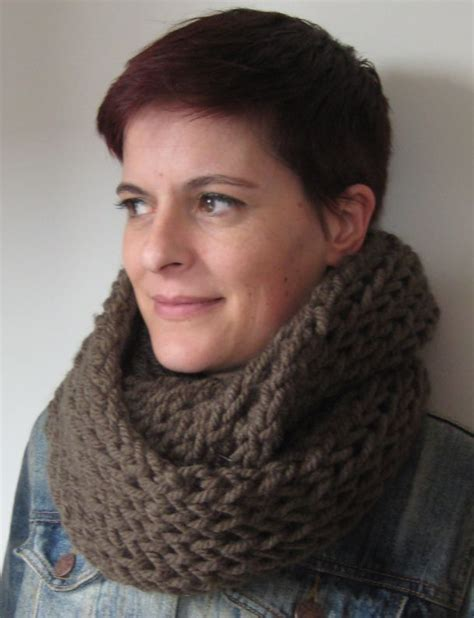 cowl knitting pattern needles gorgeous chunky cowl using chunky yarn and 20mm needles