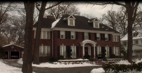 Home Decorating Parties tour the quot home alone quot christmas movie house