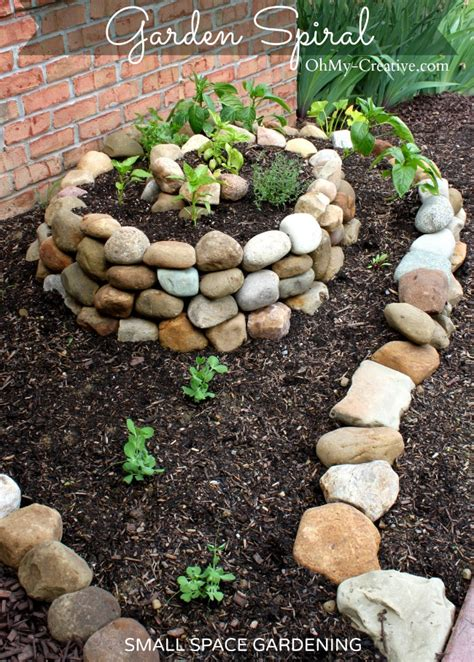 how to make a small vegetable garden how to create a small vegetable garden using a garden spiral