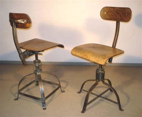 antiquit 233 s industrielles mobilier industriel et projecteurs vintage
