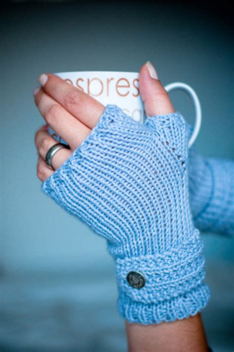 knit gifts 32 easy knitted gifts that you can make in hours diy