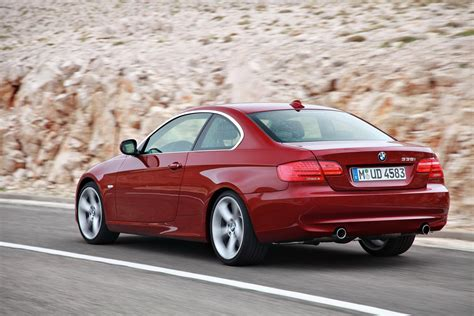 Bmw 3 Series 2011 by 2011 Bmw 3 Series Coupe And Convertible Revealed With A