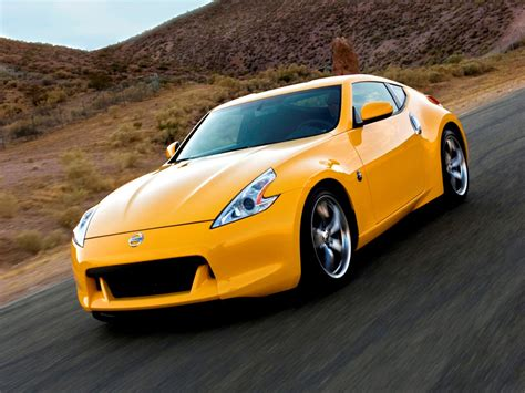 Wallpaper Car Yellow by Cats And Dogs Yellow Cars Hd Wallpapers