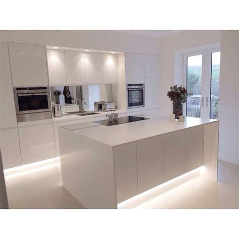 modern white kitchen design 25 best ideas about modern white kitchens on
