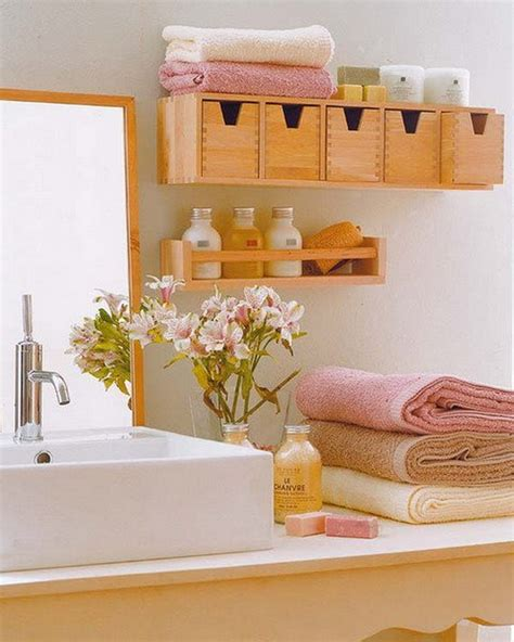 how to decorate a small bathroom decorating your small space