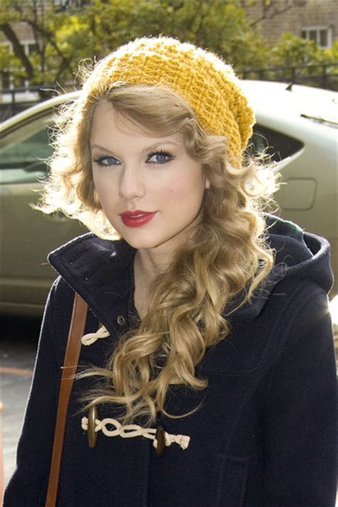 how to wear a knit hat goodbye humidity hello potential breakage products to