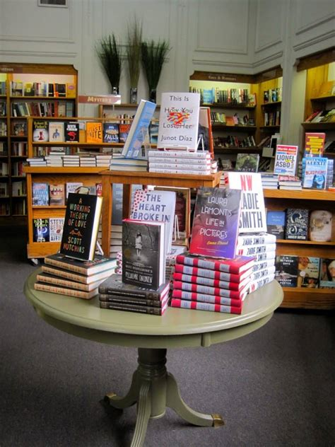 display books how do bookstores promote books bookstore displays and co