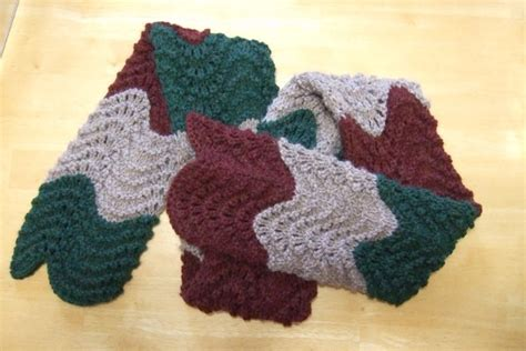 feather wool knitting patterns fan and feather scarf pattern patterns gallery