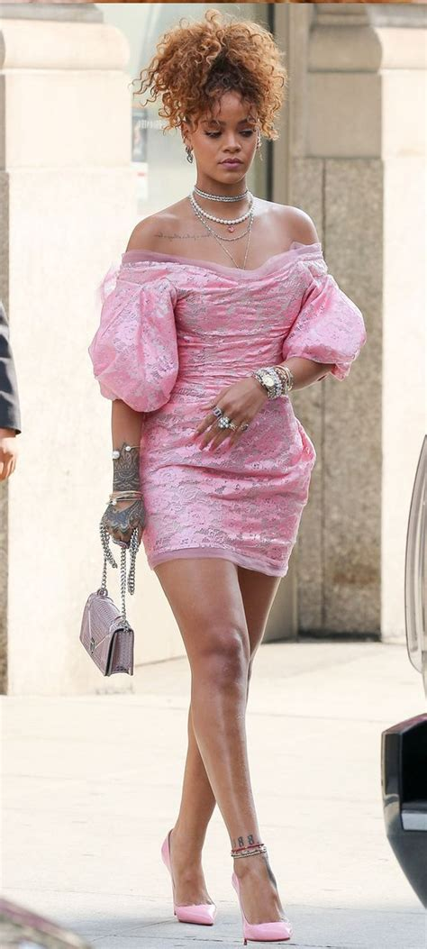 rihanna looking so in 80 s inspired pink for