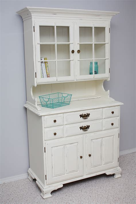 chalk paint hutch hutch makeover with chalk paint 174 sew much ado