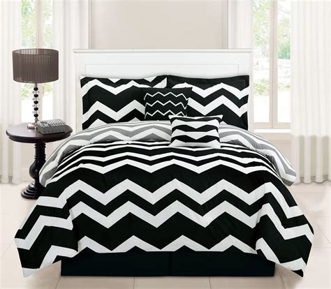 10 chevron black bed in a bag set