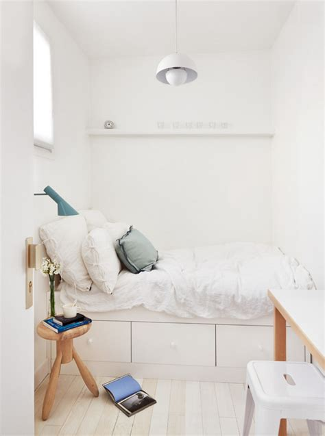 Tricks For The Bedroom by 13 Tips And Tricks On How To Decorate A Small Bedroom