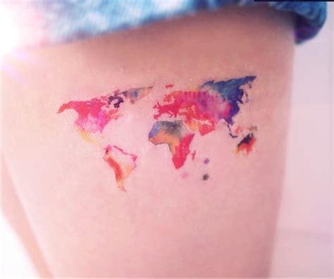 tatuare la propria casa con gli stickers di viaggio