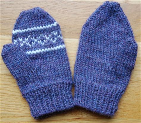 how to knit gloves with circular needles knitting mittens on circular needles free knitting projects