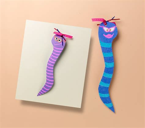 bookmark craft for bookmarks for bookworms craft crayola