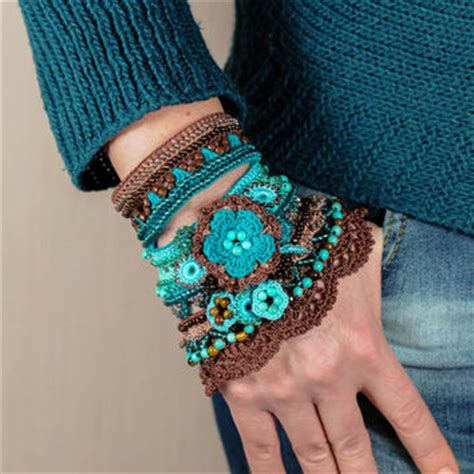 crochet glass bead bracelet pattern brown cappuccino blue mint turquoise from katerinadimitrova on