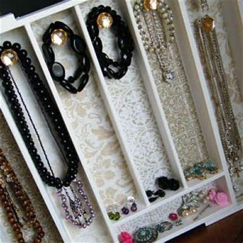 make jewelry organizer how to make a jewelry organizer organize tip junkie